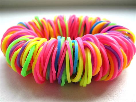 make rubber st how to make bracelets out of rubber bands in different