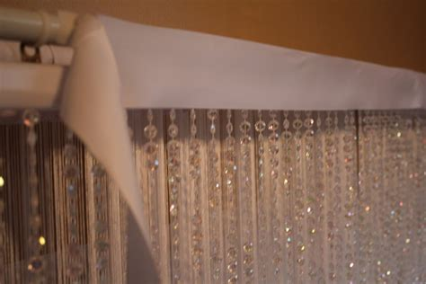 how to set up a backdrop using hanging beads and string