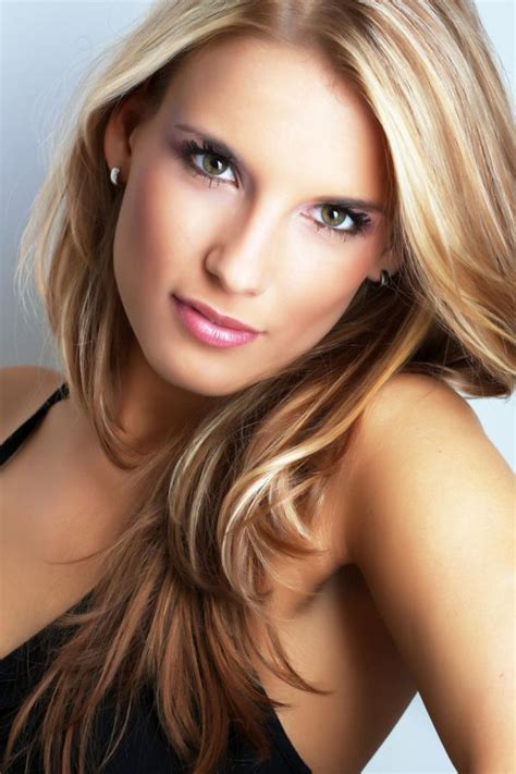 pictures of blonde hair with dark lowlights hair color trends for 2015