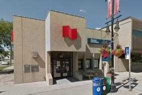 Winnipeg Bank Robbed At Knifepoint Suspects