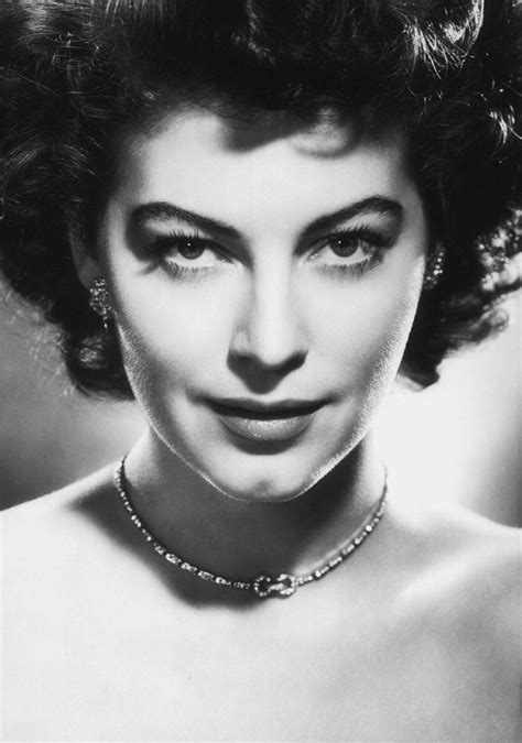 1950s Hairstyles: Cropped 'Dos & Glam Curls