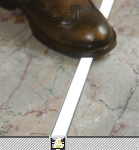 led pavimento profilo led calpestabile floor12 kit montaggio vendita