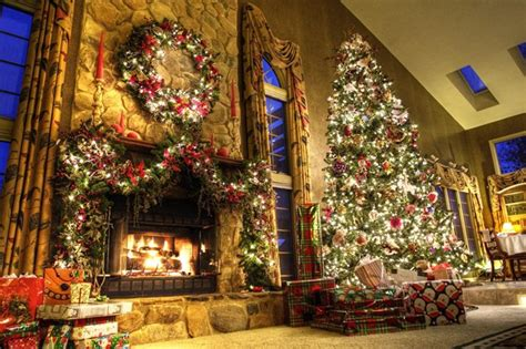 Most Beautiful Christmas Decorated Homes by Don T Like Traditional Christmas Trees Try Out One Of