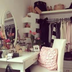 Vanity Girly Table Trending