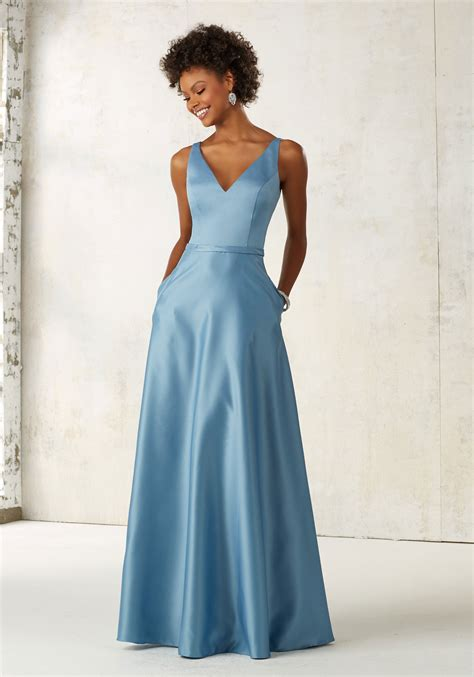 satin bridesmaids dress with v neck and pockets style