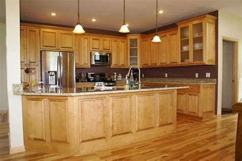 hand crafted glazed maple cabinets by custom corners llc custom glazed maple kitchen 2 by bergstrom cabinets inc