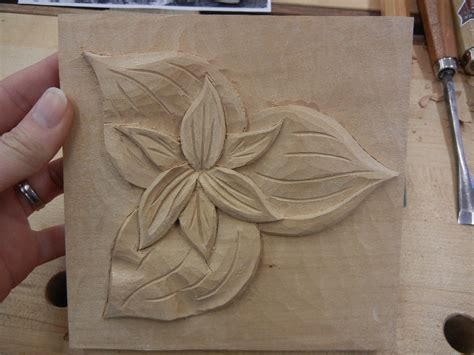 leaf pattern relief carving woodcarving retreat in berea ky mary may woodcarver