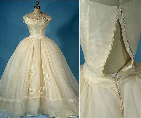 Antique Wedding Dresses by Antique Lace Wedding Dresses Accesories Antique Lace