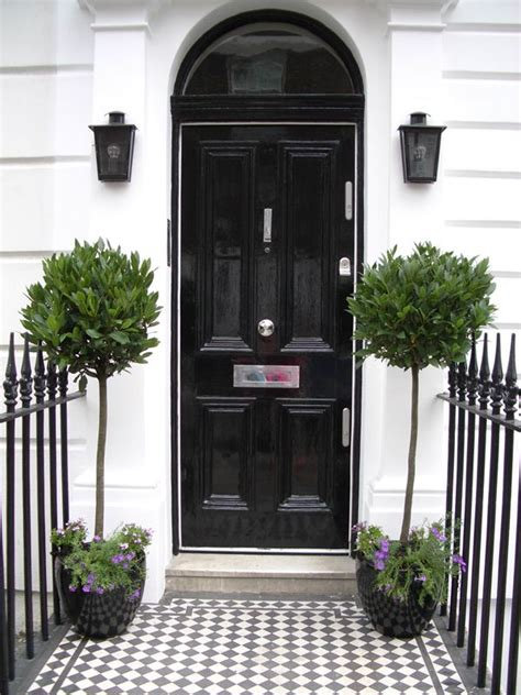 Front Entrance Planters by Planters By Front Door Curb Appeal