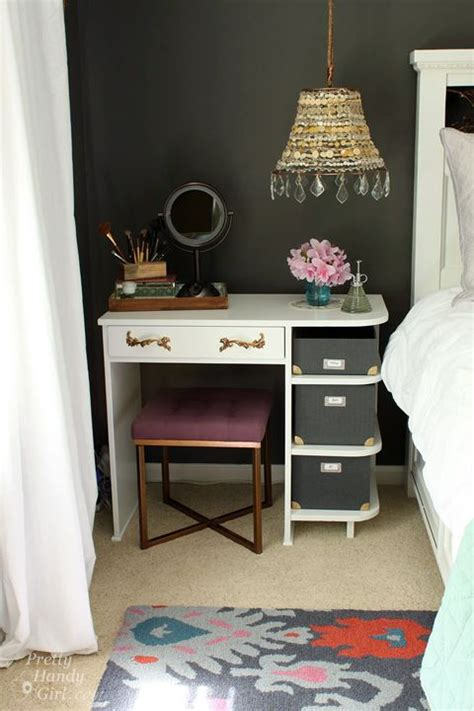 Painted Bedroom Vanity Ideas by 10 Best Ideas About Painted Vanity On Vintage