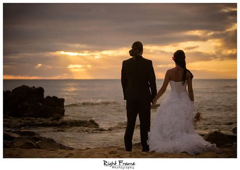Wedding Photographers in Oahu Hawaii   Beata by RIGHT
