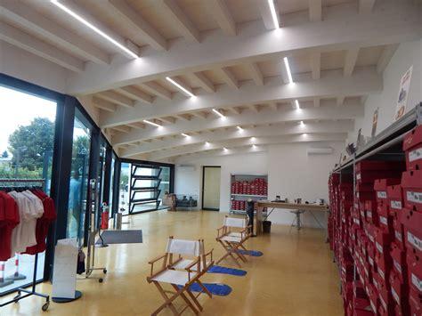 travi di legno per soffitti 187 illuminazione a led per soffitti in legno