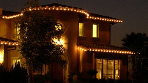 best 28 companies that hang christmas lights