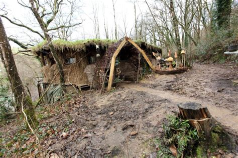 budget homes mud houses 6th december inside hut built by couple allergic to modern life who