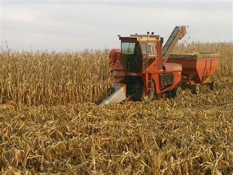 New Idea Corn Planter by New Idea 737 Uni System Picking Corn