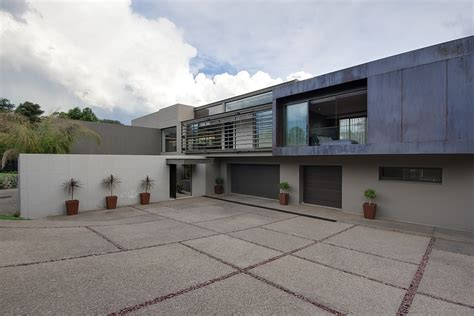 dramatic modern house by site dramatic modern residence amazes with beautiful style and