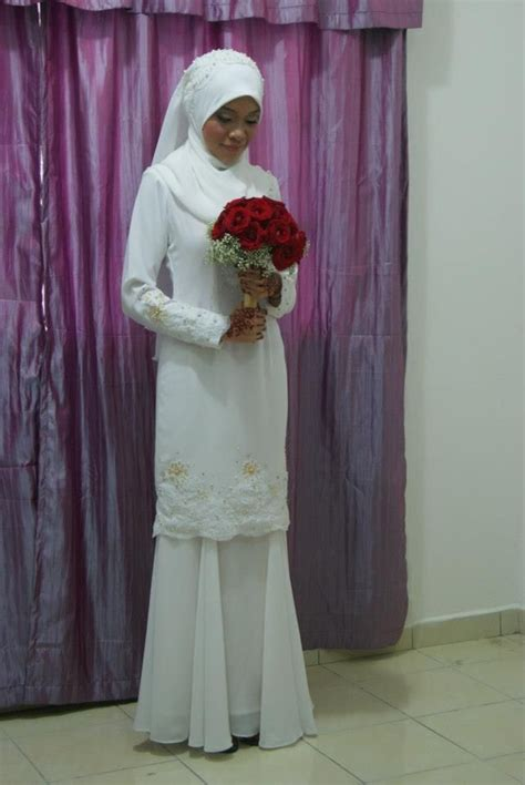 Baju Muslim Simple 42 best images about baju nikah on receptions wedding and simple dresses