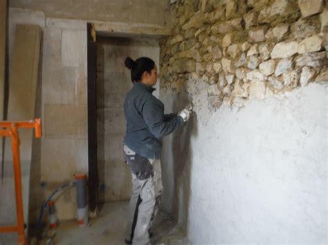 mur a la chaux 4812 on enduit les murs 224 la chaux r 233 nover soi m 234 me une