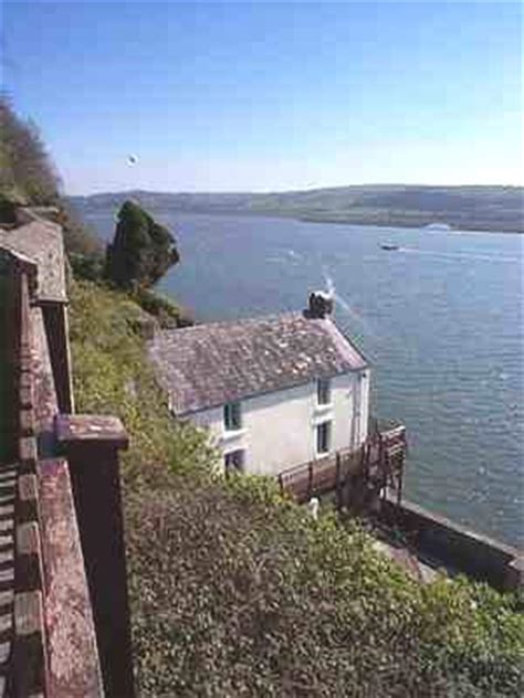 boat house laugharne dylan thomas boat house laugharne