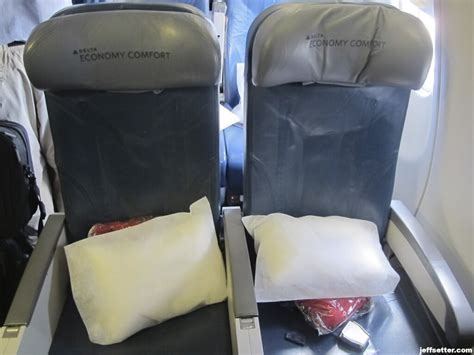 delta economy comfort international flights istanbul and athens msp gt ams in delta economy comfort
