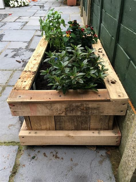 Pallet Wood Planter by Repurposed Pallet Wood Planter Pallet Ideas Recycled