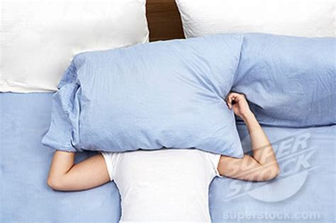 Sleeping With Pillow Between Your Legs by Do You Sleep With A Pillow Between Your Legs At