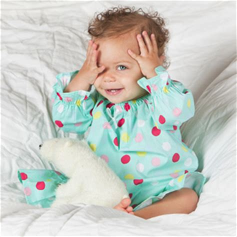 Play Peek A Boo With One Way Two Way Mirror Windows by Baby Development At 7 9 Months What To Expect