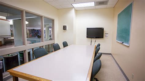 reserve a study room reservable rooms uo libraries