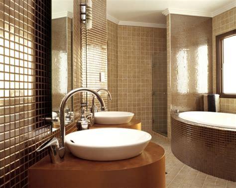 keramische fliesen badezimmer ideen keramische fliesen trends sch 246 n modern und ausgelassen