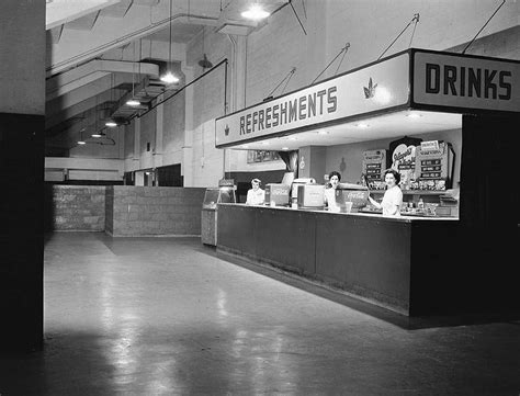 file loblaws at maple leaf gardens jpg wikimedia commons file refreshment stand at maple leaf gardens 1955 jpg