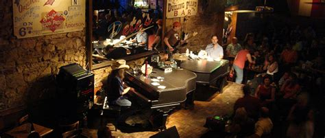 Top Dueling Piano Bar Songs dueling piano bars 101 popular songs for piano to request