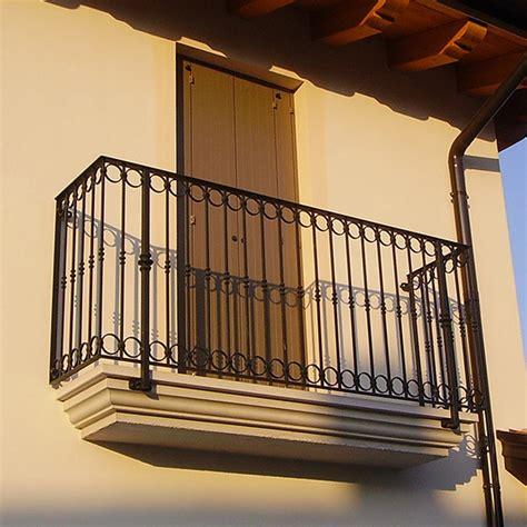 ringhiera per finestra ringhiera per poggiolo cancelli ringhiere recinzioni