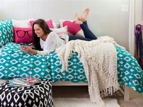 dorm bedding for girls get comfy with a list of dorm room bedding for girls learn u