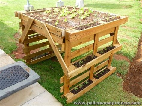 How To Make A Planter Out Of A Tire by Planters Made Out Of Pallets Pallet Wood Projects