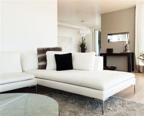 pulire divano di pelle come pulire i divani in pelle con metodi naturali