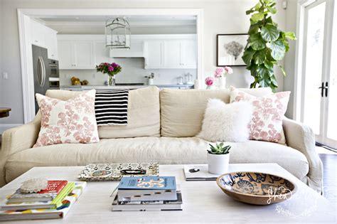 Floor Plan Furniture Images Throw Pillow