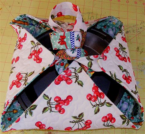 free pattern quilted casserole carrier karens crafty world tutorial quilted casserole carrier