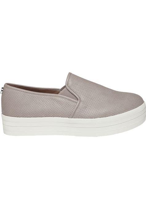 steve madden bouunce perfortated platform sneakers in