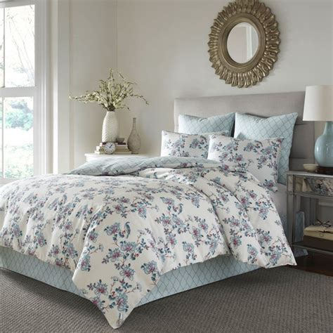 stone cottage bedding 55 best images about stone cottage bedding on pinterest