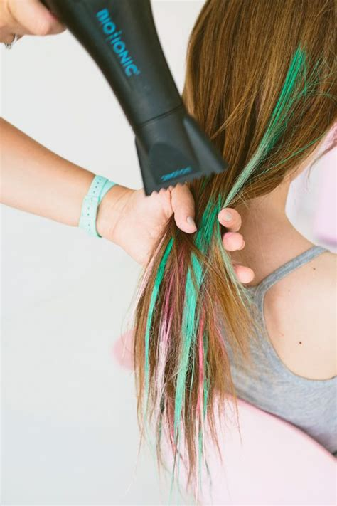 hair chalking a new look at diy hair color stylenoted diy hair chalk tutorial for brunettes coloured hair