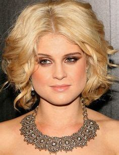 short pear shaped celebrities here are some hair style tips for those with a triangle