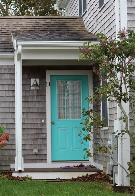 bright blue front door 5 curb appeal tips the honeycomb home