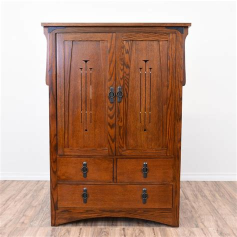 Mission Style Wardrobe by 17 Best Ideas About Craftsman Media Cabinets On