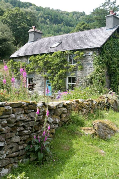 Country Cottages In Wales by Best 20 Farmhouse Ideas On