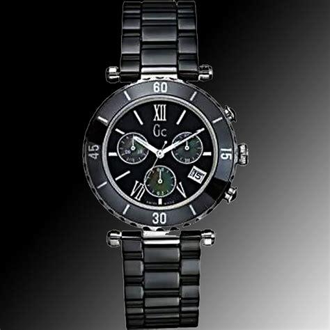 Guess Collection Gc Diver Chic Ceramic 43001m2s gc diver chic chrono black ceramic timepiece i43001m2