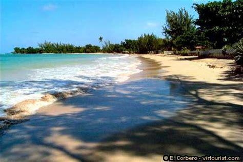 38 50 runaway bay beach virtourist - Public Boat R Runaway Bay