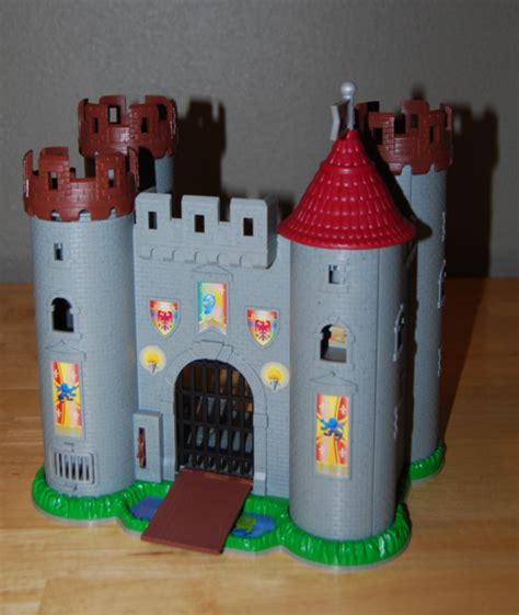 speelgoed kasteel toy castles lost found vintage toys