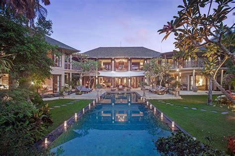 bedroom canggu villa  private pool  bali