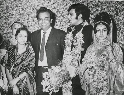 biography bung tomo vinod in his first marriage in 70s vinod khanna