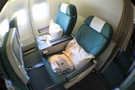 cathay pacific economy comfort cathay pacific airways london heathrow airport to hong